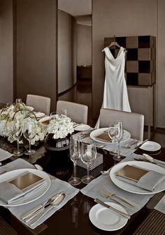 Lux Hotels, Armani Hotel, Interior Styling, Interior Design, 1st Apartment, Suite Life, Elegant Dining, Home Decor Furniture, Luxury Homes