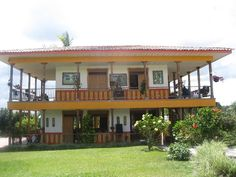 casas campestres - Buscar con Google Deck Design, House Design, Metal Barn Homes, Thai House, Spanish Style Homes, Backyard Patio Designs, Mountain Homes, Wooden Decks, House Elevation