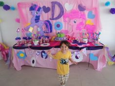 Mesa para pastel, tema My little pony. Kiddy's fiestas infantiles: facebook