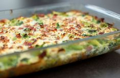 Au Gratin Veggie Casserole - can use with overcooked vegetables Ham Breakfast Casserole, Breakfast Dishes, Thanksgiving Vegetables, Slow Cooker Casserole, Perfect Breakfast, Pasta Dishes, Love Food, Main Dishes, Cooking Recipes