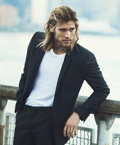 Josh Upshaw suit men Style hair beard tumblr Long Hair Man, Long Hair Beard, Hair And Beard Styles, Long Hair Styles, Decent Hairstyle, Attractive Men, Patchy Beard, Suit Men, Beard Tips