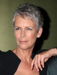 Jamie Lee Curtis natural hairstyle