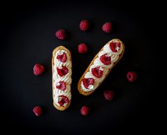 Éclairs noisette-chocolat blanc-framboises // Hazelnuts, white chocolate and raspberry eclairs