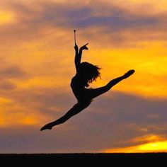 Absolutely gorgeous. I wish I was still remotely flexible enough to take a photo like this!
