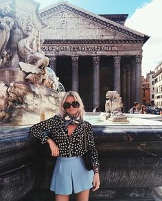 Fashion and inspiration for a stylish lifestyle. Rome Outfits, Style Outfits, Spring Summer Fashion, Spring Outfits, Easy Style, Inspirations Magazine, Photos Voyages, Facon, Wanderlust Travel