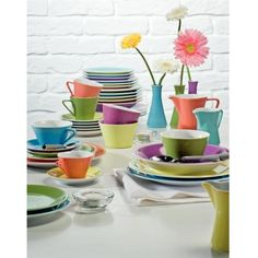 Lilienfeld Daisy Picture Wall, Daisy, Tableware, Lilies, Paint, Dinnerware, Dishes, Daisies, Place Settings