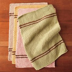 Free knitting pattern - KnitPicks dish towel set! Check with them each week for a new pattern! #12weeksofgifting #dishtowel #knitting