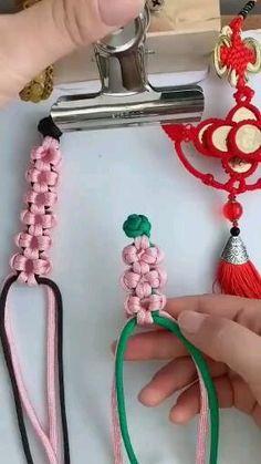 Diy Friendship Bracelets Patterns, Diy Bracelets Easy, Bracelet Crafts, Jewelry Crafts, Hemp Bracelets, Diy Embroidery Stitches, Simple Embroidery, Hand Embroidery Designs, Broderie Simple