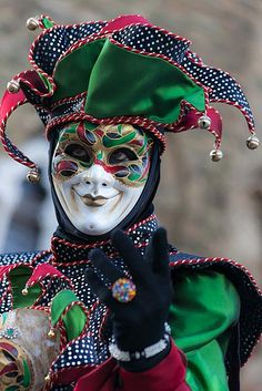 I LOVE Jesters. I love really everything about them. <3 Won't be suprised if I'd make a male Jester costume someday.