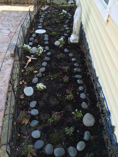 8 Flower Landscape Ideas For Your Garden – Garden Ideas 101 Marian Garden, Prayer Garden, Flower Landscape, My Secret Garden, Garden Projects, Garden Ideas, Flower Beds, Garden Planning, Backyard Landscaping