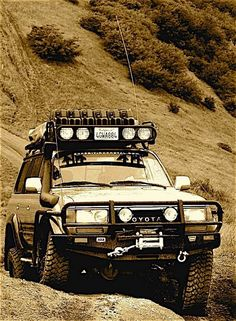 This is how my husband would like to build up our FZJ80 Land Cruiser.