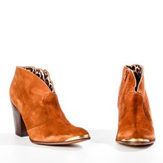 ok i really need to just get these already...Cubala Moka, $95, now featured on Fab.