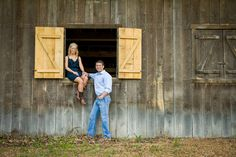 Country Engagement Photos | photo by http://www.lisashelbyphotography.com | see more http://www.thebridelink.com/blog/2013/05/22/country-engagement-photos-by-lisa-shelby-photography/