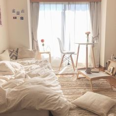 Korean Bedroom Ideas, Room Ideas Bedroom, Bedroom Decor, Study Room Decor, Cute Room Decor, Tiny Apartment Living, Small Master Bedroom, Home Room Design, Minimalist Room