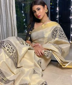All the vedas and upanishads speak about only one Dharm (धर्म), Manav Dharm (मानव धर्म, Humanity); Recently had an epiphany of how our… Mouny Roy, Indian Tv Actress, Cake Pictures, Morning Pictures, Sari, Actresses, Indian Express, Amitabh Bachchan, Festival Lights