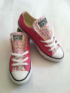 Pink converse kids size 3 rainbow sprinkles donut cupcake confetti tongue low top chuck taylor