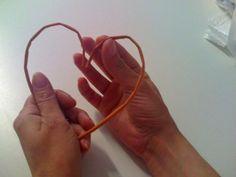 Môj postup na srdiečko 4 Newspaper Crafts, Origami, Gold Rings, Engagement Rings, Handmade, Jewelry, Paper Straws, Paper Mache, Hearts