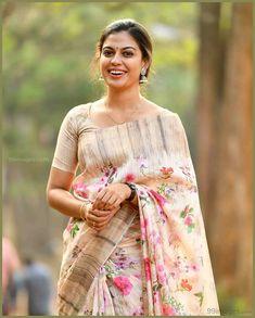 Cutwork Saree, Floral Print Sarees, Simple Sarees, Stylish Sarees, Elegant Saree, Indian Beauty Saree, Indian Sarees, Saree Dress, Party Wear Sarees