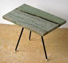 Zeldzaam vintage bijzettafeltje natuursteen,metalen pootjes - Bieden