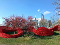 ORLY GENGER_Hot Rod_Chicago Lakefront, IL, 2013, recycled lobster rope and paint