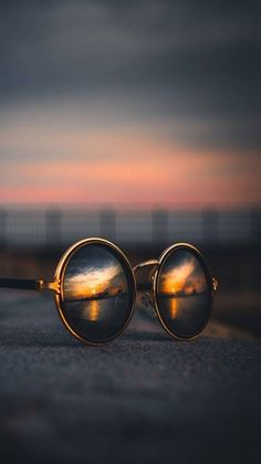 Ideas for creative photography of the day absolutely brilliant .- Absolutely brilliant creative photography ideas of the day photos) -, Perspective Photography, Reflection Photography, Cute Photography, Creative Photography, Landscape Photography, Nature Photography, Photography Pricing, Travel Photography, Street Photography