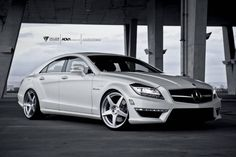 produces premiere custom-made one-piece, two-piece and three-piece forged aluminum and carbon fiber wheels for supercars, sports & luxury cars, providing their owners with the utmost perfect aftermarket wheel solution Mercedes Benz Cls Amg, Mercedes Cls550, Black Mercedes Benz, Mercedes G Wagon, Mercedes G Class, Cls 63 Amg, Car Places, Daimler Ag, Lux Cars