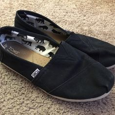 Black TOMS Slip Ons Womens Size 9.5 Black classic slip on TOMS in good used condition. Womens size 9.5. No trades. TOMS Shoes Espadrilles