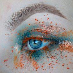 M A R I G O L D : Eyeshadow @anastasiabeverlyhills Liquid Lipstick in Requiem @kryolanofficial Aqua Colour in Orange : Brows @inglotireland Gel liner 90 :Glitter @inglotireland Burnt orange pigment @jazzy_glitter Waterfall glitter
