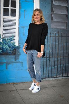 Best How To Wear Adidas Superstar Casual Sweaters 30 Ideas Mode Outfits, Jean Outfits, Fall Outfits, Summer Outfits, Casual Outfits, Fashion Outfits, Outfit Winter, Casual Clothes, How To Wear Jeans