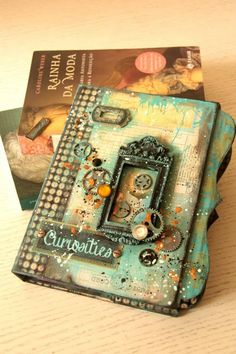 Marion Smith Designs like the colors here Mini Albums Scrap, Mini Scrapbook Albums, Handmade Books, Handmade Art, Mini Books, Mix Media, Marion Smith, Altered Book Art, Mixed Media Journal