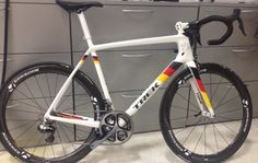 Jens Voight just built a beautiful new road bike and shared several photos with his twitter followers. First we drooled, then we collected them for a post.