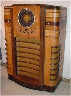 Art Deco Decor, Art Deco Design, Vintage Tv, Vintage Music, Antique Radio Cabinet, Tvs, Televisions, Art Nouveau, Retro Radios