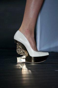 d2d56ca20c33 9 besten Shoes Bilder auf Pinterest   Stilettos, Evil eye und Over ...