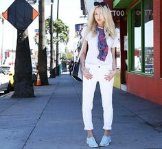 OnShea Marie:Étoile Isabel MarantKeiran Slub Linen T-Shirt ($175); RailsKendra Button Down($127); Current/ElliottThe Stiletto Skinny Jeans($168);...