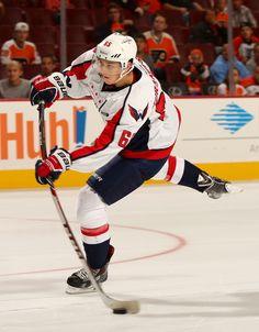 The flex tho Caps Hockey, Ice Hockey Teams, Hockey Players, Capitals Hockey, Stanley Cup Champions, Washington Capitals, Field Hockey, National Hockey League, Celebrity Crush