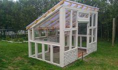 bygge drivhus av gamle vinduer - Google Search