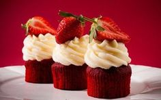 Red Velvet cupcakes – Recepty na každý den - Birthday Cupcake Ideen Red Velvet Cupcakes, Red Velvet Muffins, Czech Recipes, Birthday Cupcakes, Cupcake Cakes, Wedding Cakes, Cheesecake, Sweets, Baking