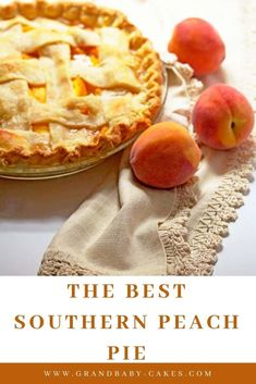 Fresh Peach Pie combines ripe summer peaches, spices and sweetness under a delicate buttery and flaky crust! Fresh Peach Pie combines ripe summer peaches, spices and sweetness under a delicate buttery and flaky crust! Peach Recipes Dinner, Fresh Peach Recipes, Fresh Peach Pie, Recipes With Peaches, Easy Peach Pie, Peach Pies, Cupcakes, Cupcake Cakes, Köstliche Desserts