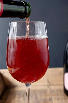 Pop the bubbly and mix up a delightful Framboise Champagne Cocktail tonight! This twist on classic beer cocktail features two ingredients: Lindeman's Framboise Lambic, which is a raspberry beer, and champagne. Mixed Drinks, Fun Drinks, Alcoholic Drinks, Cocktails, Beverages, Champagne Cocktail, Raspberry Beer, Pitcher Drinks, Belgian Beer