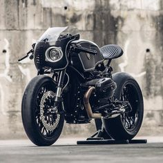 This incredible R nineT is called 'Bavarian Fistfighter,' and it hits the mark like a well-aimed right hook.