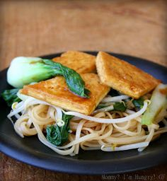 MIH Recipe Blog: Crispy Tofu with Veggies and Noodles in a Sweet and Spicy Soy Sauce