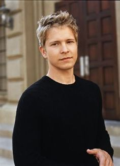 Art Matt Czuchry aka Logan Huntzberger is my dream boyfriend. Good looks and mental stimulation. Does anyone else miss the dialogue on Gilmore Girls? Matt Czuchry, Rory Gilmore, Gilmore Girls Logan, Handsome Men Quotes, Handsome Arab Men, Rory Und Logan, Cary Agos, Team Logan, Strong Woman Tattoos