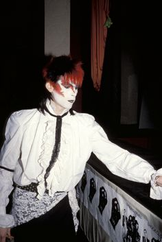 Stephen Jones Remembers Steve Strange, the London Club Fashion Hero Who Made His Name Weird Fashion, 80s Fashion, Club Fashion, Petite Fashion, Curvy Fashion, Fall Fashion, Style Fashion, 80s Goth, Goth Glam