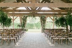 When Wallpaper Inspires the Most Romantic Wedding Celebration