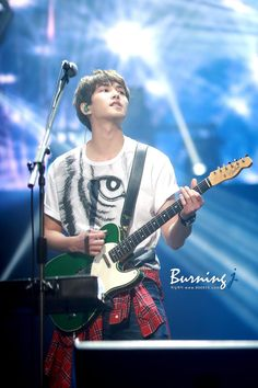 150503 FNC KINGDOM in SEOUL #이종현 [버닝제이] http://jh900515.cafe24.com/bbs/zboard.php?id=data&page=1&sn1=&divpage=1&sn=off&ss=on&sc=on&select_arrange=headnum&desc=asc&no=272 …