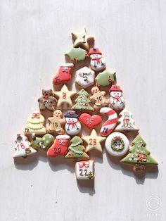 Mickey Christmas, Christmas Mood, Noel Christmas, Christmas Photos, Christmas Baking, Iced Sugar Cookies, Christmas Sugar Cookies, Halloween Cookies, Royal Icing Cookies