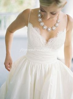 Lace V neck, Gathered waist, A-line Wedding gown with pockets... the perfect dress!!!