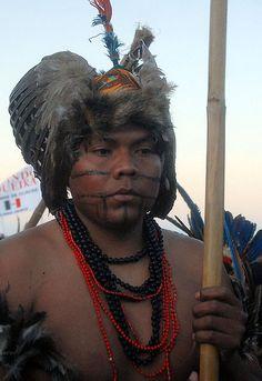 Índio da etnia Terena na cerimônia de encerramento da nona edição dos Jogos dos Povos Indígenas (Olinda PE)