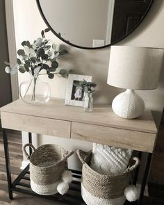 Fantastic Entryway Console Tables Design Ideas To Try Asap . Fantastic Entryway Console Tables Design Ideas To Try Asap living room decoration ideas - color, furniture and lighting Hallway Table Decor, Entryway Console Table, Entryway Decor, Bedroom Decor, Console Tables, Hallway Ideas, Entry Tables, Console Table Styling, Entryway Ideas