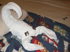 Lobster: Towel Origami. See more at: http://foldingmagic.com